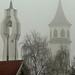 Ködbe burkolózó tornyok
