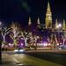 Bécs - Wiener christkindlmarkt az utca felől