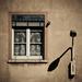 Ablak és lámpa