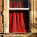 Piros függöny