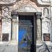 Bank épület, bejárati kapu