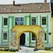 régi épület vidám színekkel