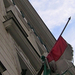 elnyűtt zászló