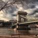 Lánc híd mellett