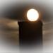 Lángol a Hold 2