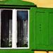 Zöld-fehér ablak