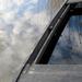 Vízzel telt csónak felhős időben