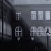 Fény és árnyék találkozása a szegedi Dóm téren